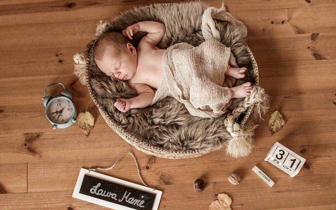 Herbstliches Neugeborenenshooting